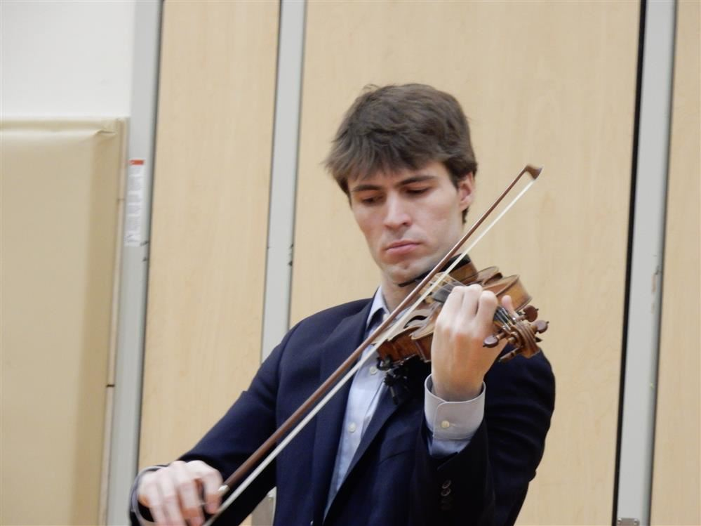 Violinist George Meyer Performs for Students